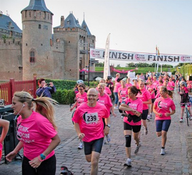 Pink Moon Run & Walk Muiden